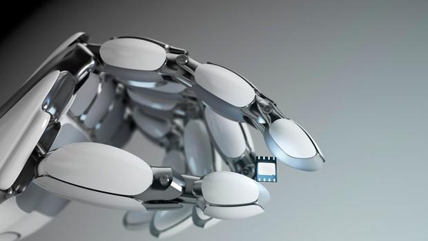 Študija kaže, da je ljudem ljubše, če jih zamenja robot kot pa drug človek (foto: profimedia)