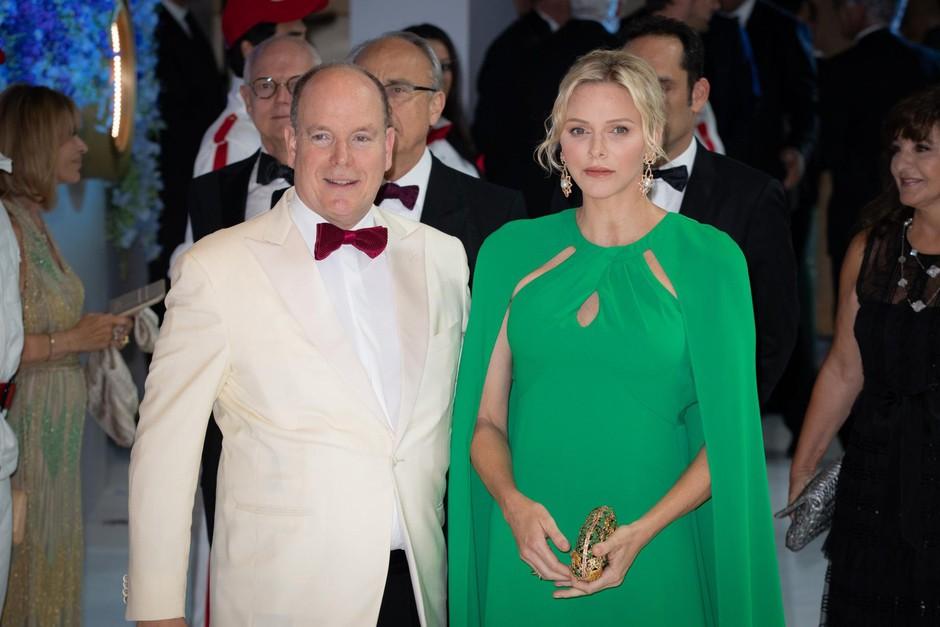 Gostitelja večera, monaški knez Albert II. in njegova soproga princesa Charelene. (foto: Foto: Profimedia Profimedia, Crystal Pictures)