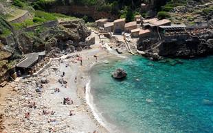 Na Balerih se širijo plaže za nekadilce