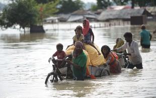 Monsunsko deževje v Indiji pobira redni davek, doslej več kot tisoč žrtev