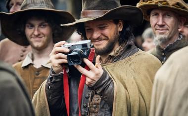 S prijateljem je sodeloval pri ustvarjanju BBC-jeve drame Gunpowder, kot producent in igralec.