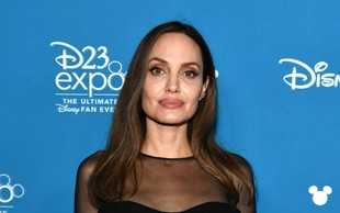 VIDEO: Preobrazba Angeline Jolie v Zlohotnico!