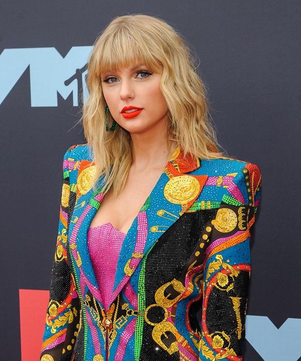 Taylor Swift na ljubezenskih razočaranjih zaslužila milijone (foto: Profimedia)