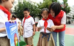 Na Kitajskem v napadu na osnovno šolo ubitih osem učencev, dva sta ranjena