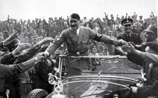 V kleti francoskega senata našli Hitlerjev doprsni kip, preiskava v teku