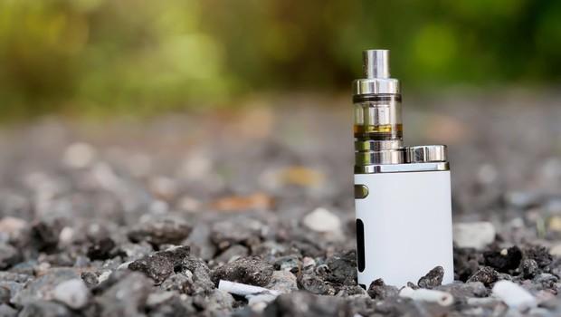 Število smrtnih primerov povezanih z uporabo elektronskih cigaret narašča (foto: profimedia)