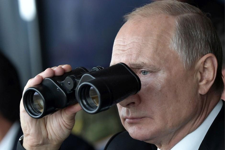 Rusija pridržala šamana, ki je želel izgnati Putina iz Kremlja (foto: Profimedia)