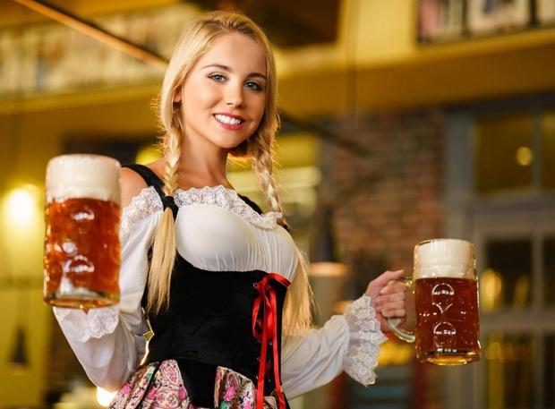 V Münchnu začetek Oktoberfesta; za liter piva tudi 15,9 evra (foto: Profimedia)