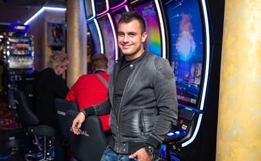 Omar Naber svojo srečo najraje preizkuša na ruleti.