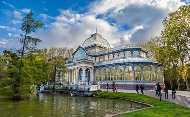 Stekleni paviljon v parku Retiro, zgrajen po videzu 'angleških kolegov'.