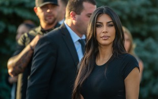 Kim Kardashian za rojstni dan od moža dobila čudovito darilo - milijonsko donacijo v njenem imenu!