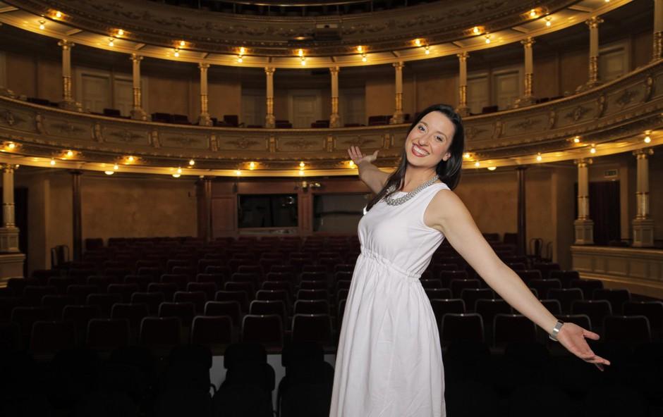 Elvira Hasanagić brez opere ne more, si pa želi, da bi bilo tudi obratno (foto: Foto: Aleksandra Saša Prelesnik)