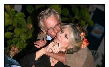 Igralka s svojim soprogom Bernardom D'Ormalom (78), s katerim je poročena že 27 let.