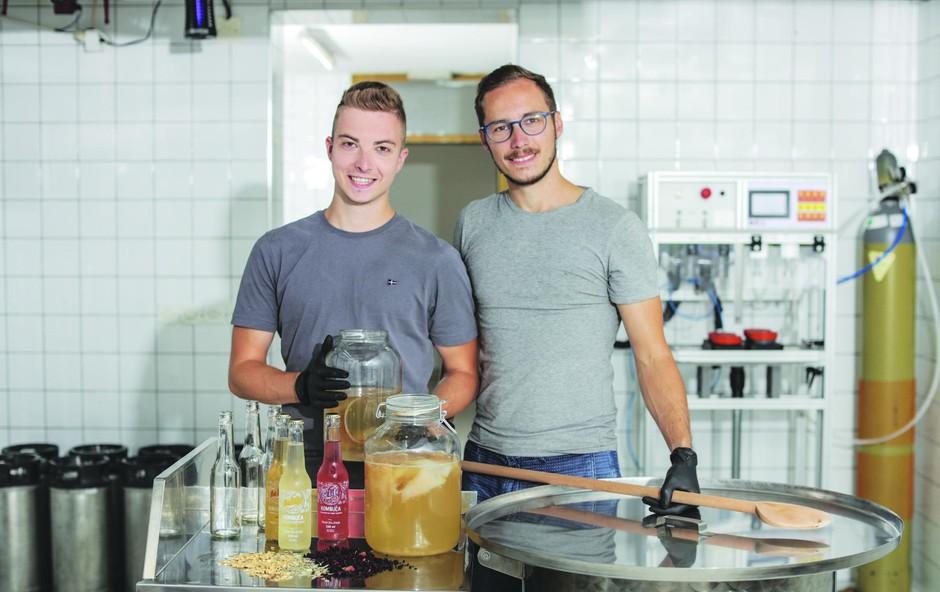 Mirza in Zlatan počneta to, kar sta si želela od nekdaj; upravljata lastno podjetje in navdušujeta s kombučo (foto: Aljoša Rebolj)