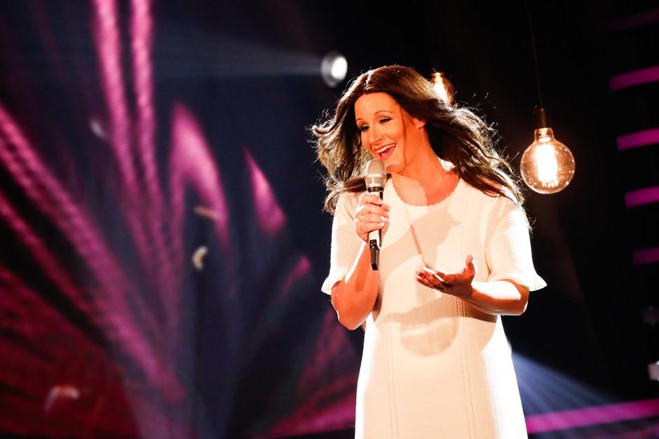 Se bo Ana Dežman preobrazila v Britney Spears ali v Leo Sirk? (foto: Miro Majcen / POP TV)