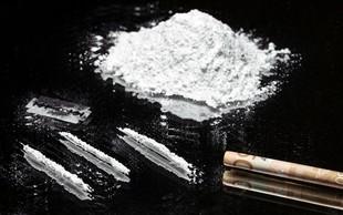 Britanski poslanec zaradi afere s kokainom zapušča svoj položaj