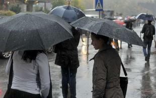Obilno deževje, ki je zajelo državo, povzročalo težave